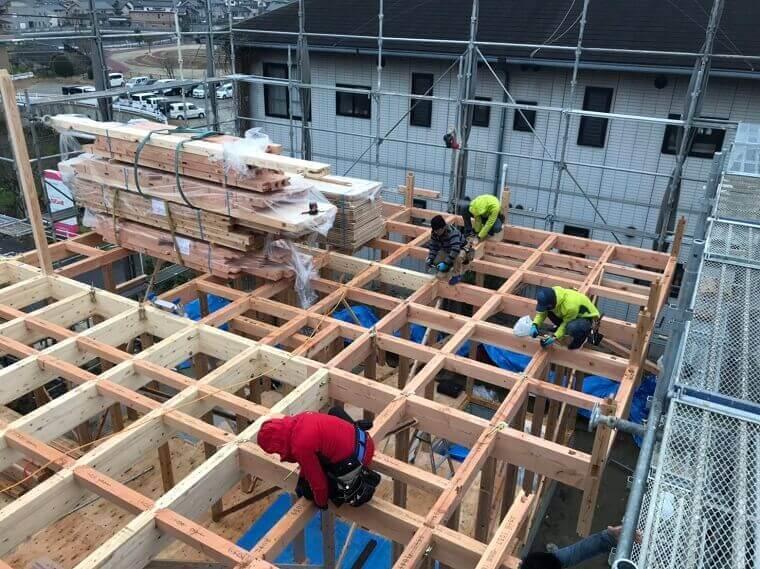 2階床の梁組が完成