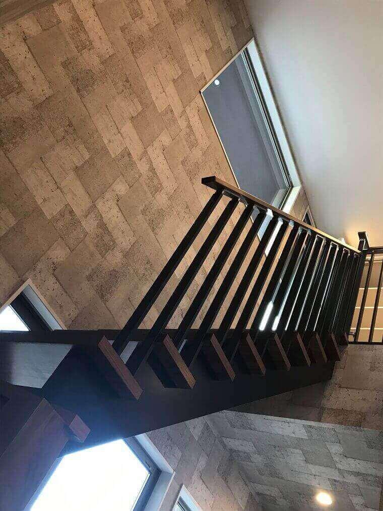 「路地のある家」階段