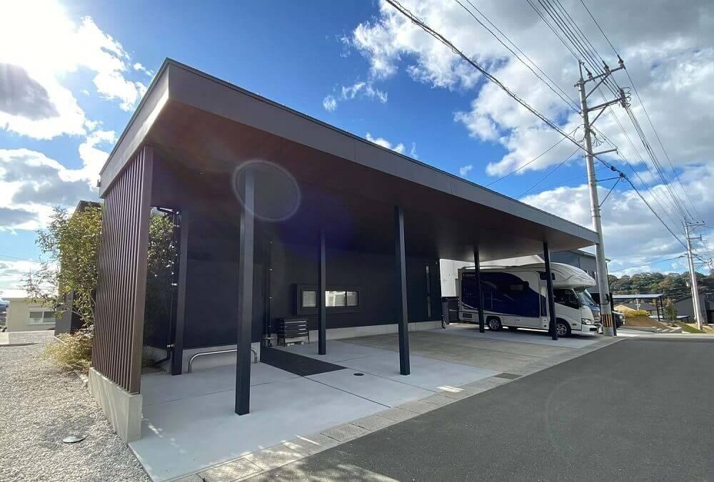 久山町キャンピングカー車庫1